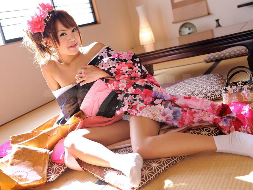 【和服エロ画像】日本古来からの民族衣装のエロスを楽しもうじゃないか!?w 13