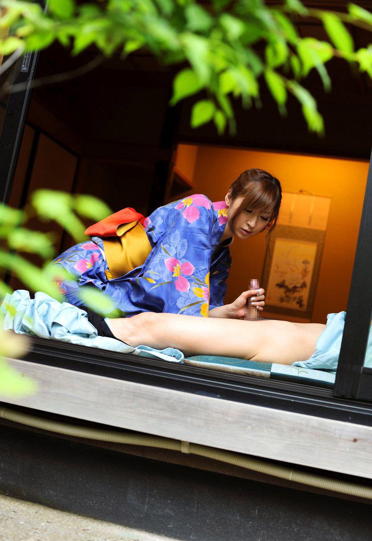 【和服エロ画像】日本古来からの民族衣装のエロスを楽しもうじゃないか!?w 23