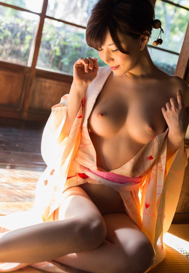 【和服エロ画像】日本古来からの民族衣装のエロスを楽しもうじゃないか!?w 34