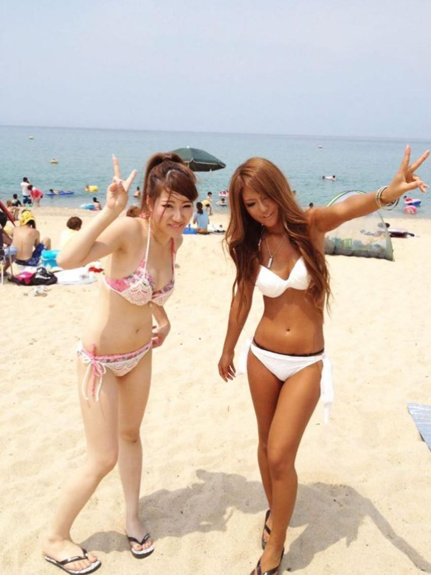 【素人水着エロ画像】夏といえば海!海といったら素人娘たちの水着だよなwwwww 13