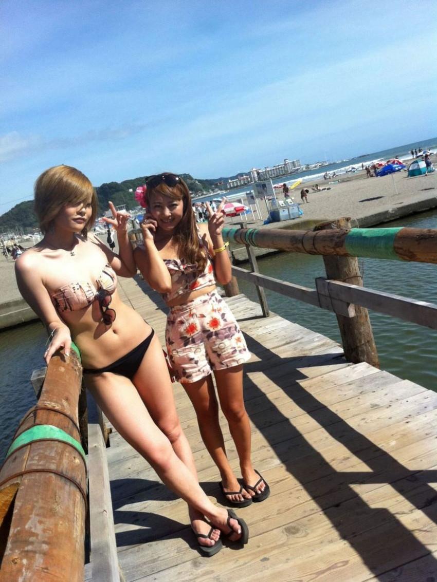 【素人水着エロ画像】夏といえば海!海といったら素人娘たちの水着だよなwwwww 21