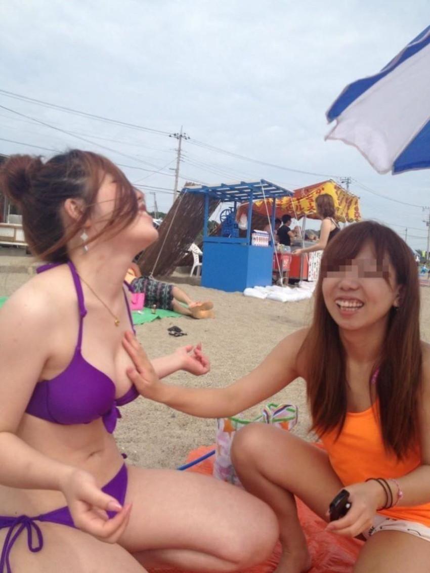 【素人水着エロ画像】夏といえば海!海といったら素人娘たちの水着だよなwwwww 25