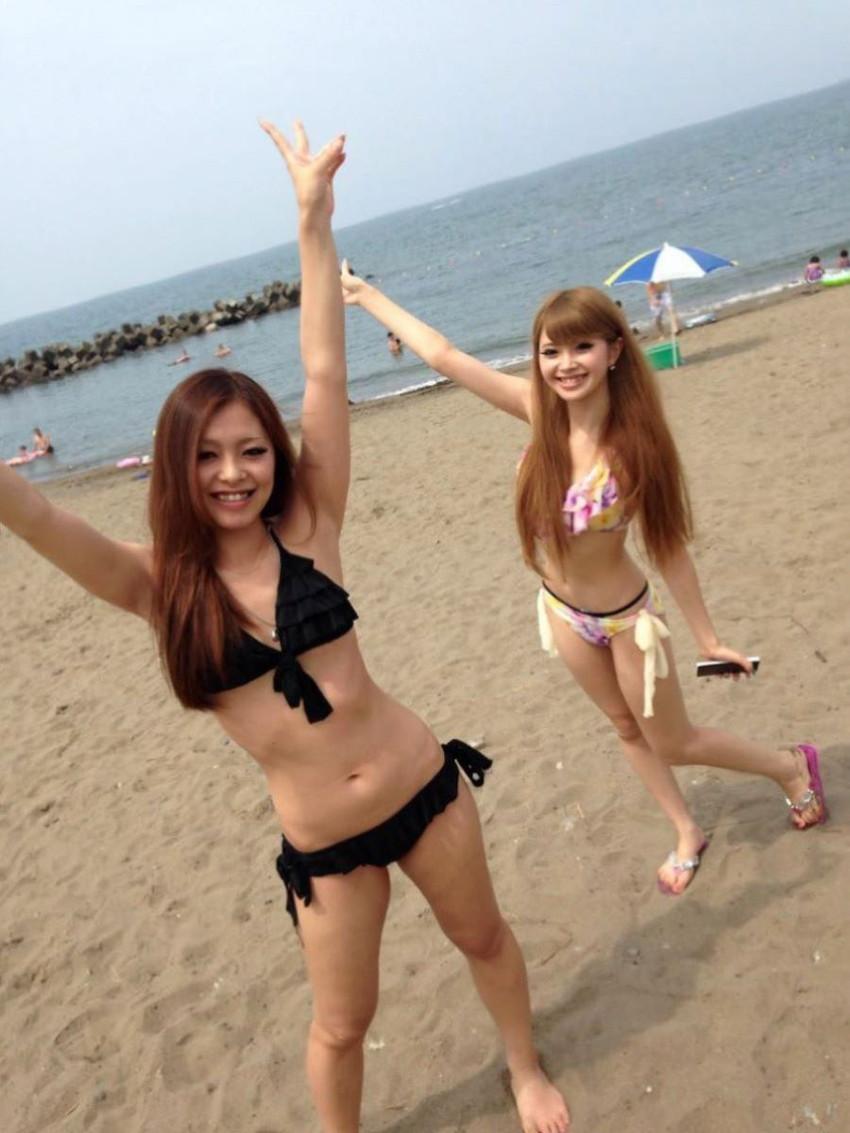 【素人水着エロ画像】夏といえば海!海といったら素人娘たちの水着だよなwwwww 36