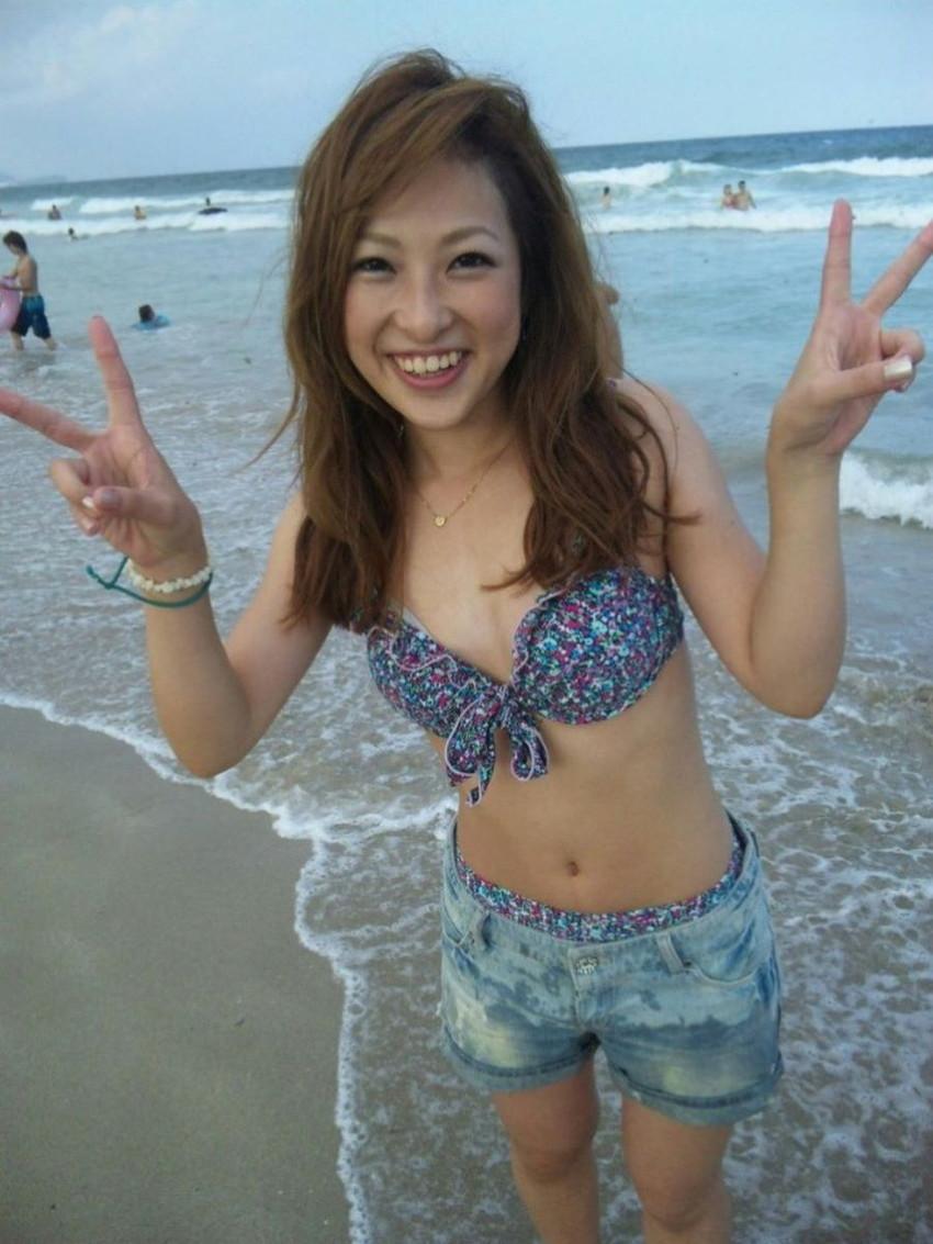 【素人水着エロ画像】夏といえば海!海といったら素人娘たちの水着だよなwwwww 46