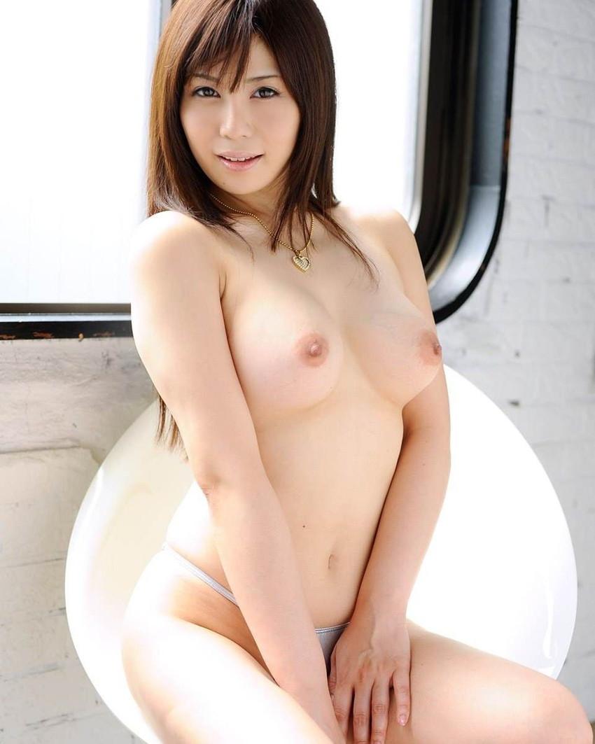 【美乳エロ画像】おっぱい好き、おっぱいファン必見の美乳画像集めたった! 03