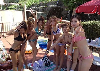 【素人水着エロ画像】素人娘たちによる生々しい水着姿のエロ画像集めたった!
