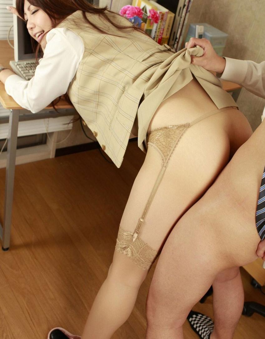 【着衣セックスエロ画像】着衣の魅力をプラスαしてしまう着衣セックス! 45