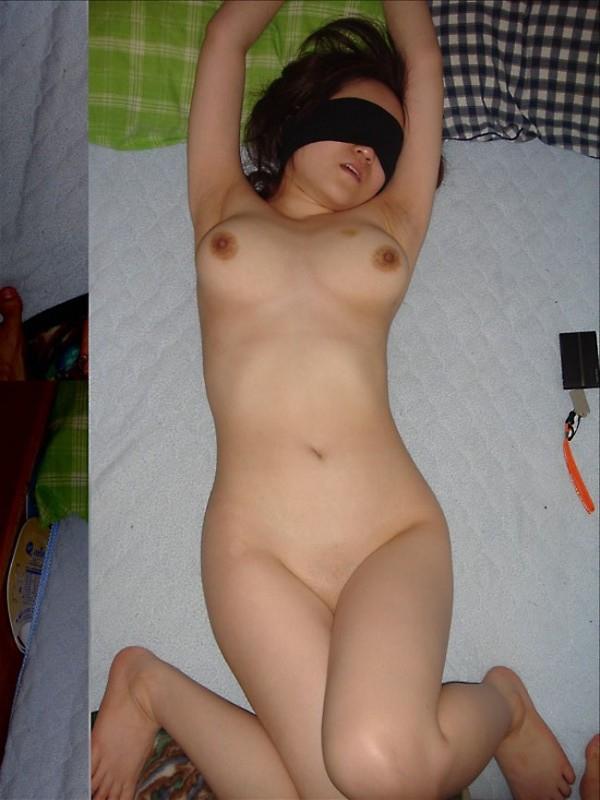 【目隠しエロ画像】視覚をふさがれた女の子の体は研ぎ澄まさたびんかんボディーに!
