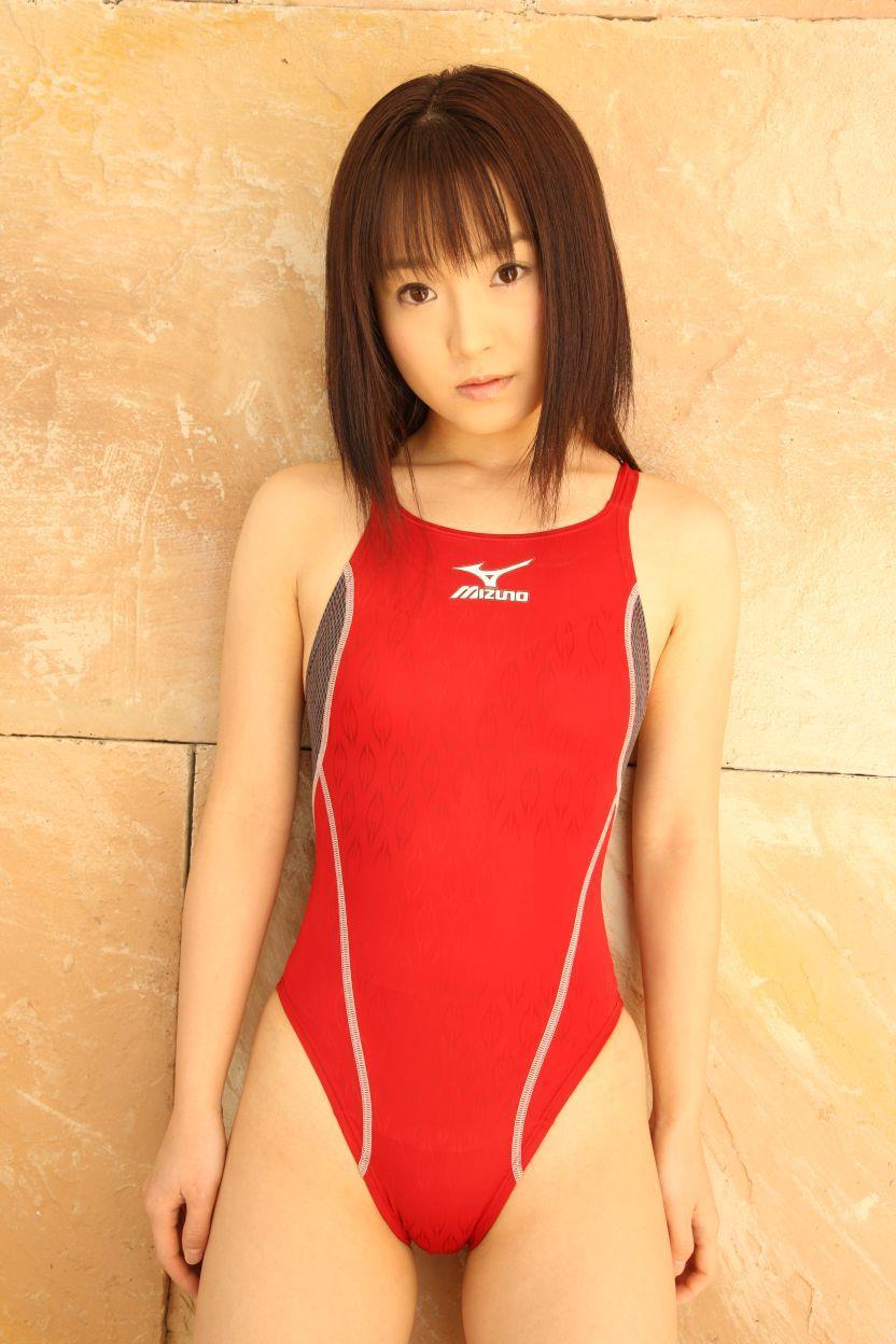 【競泳水着エロ画像】これってもしかしたビキニよりもエロい水着なのか?w 13