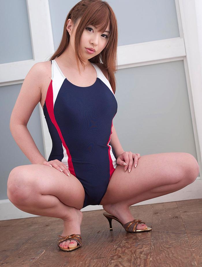 【競泳水着エロ画像】これってもしかしたビキニよりもエロい水着なのか?w 20