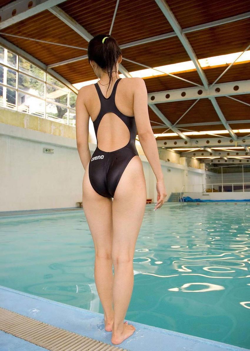 【競泳水着エロ画像】これってもしかしたビキニよりもエロい水着なのか?w 24