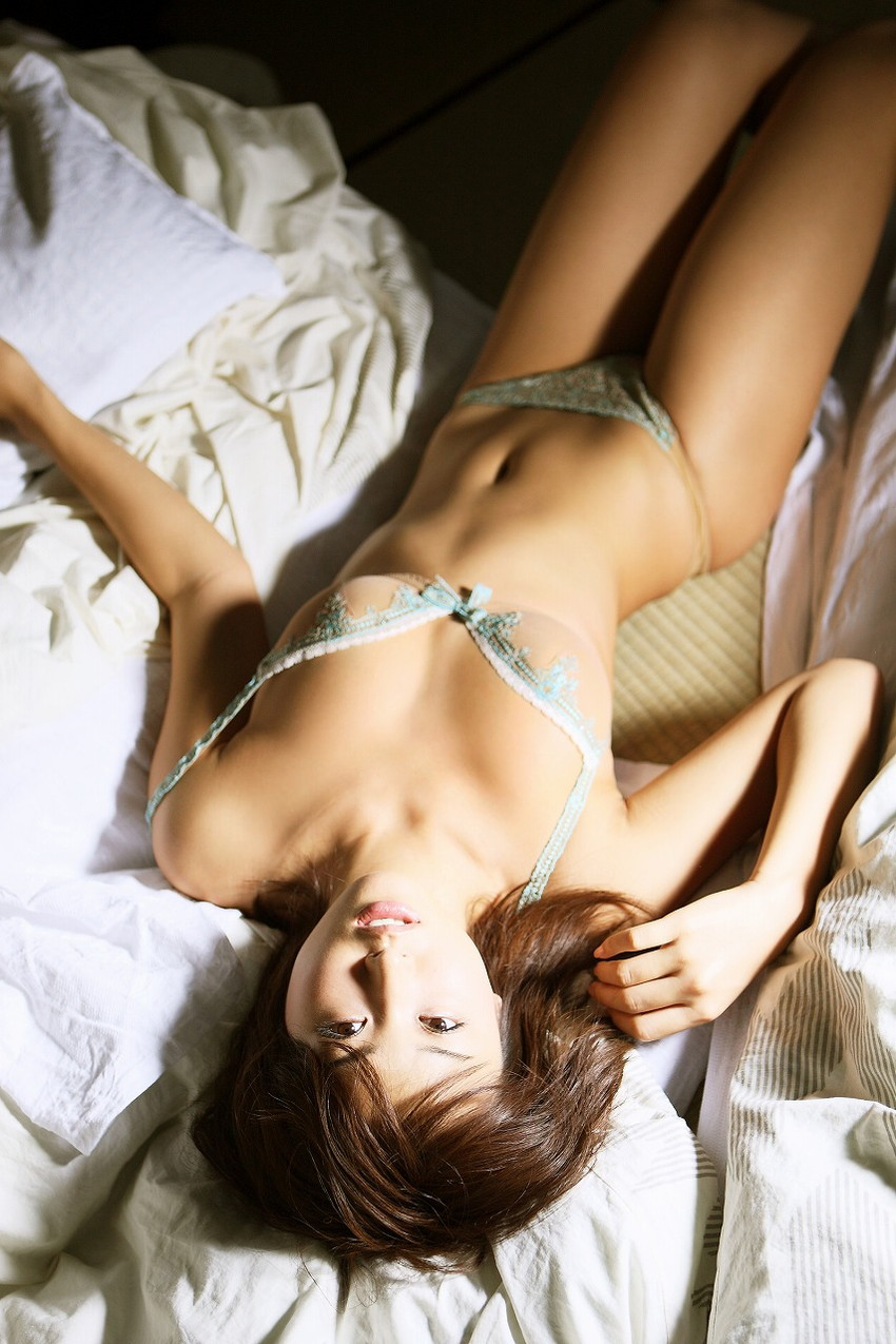 【下着エロ画像】女性下着に求められるのは機能性だけではなくセクシーさも重要! 29