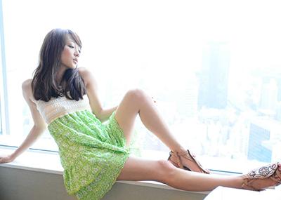 【美脚エロ画像】もう舐めまわしてもいい!って本気で思える美脚女子の脚!