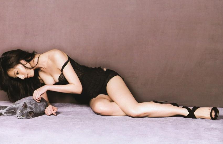【美脚エロ画像】もう舐めまわしてもいい!って本気で思える美脚女子の脚! 08