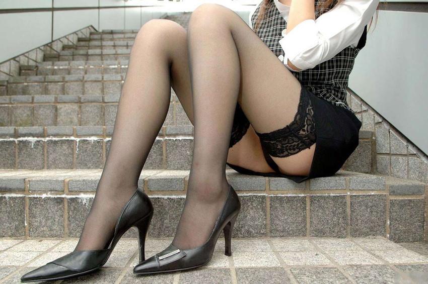 【美脚エロ画像】もう舐めまわしてもいい!って本気で思える美脚女子の脚! 11