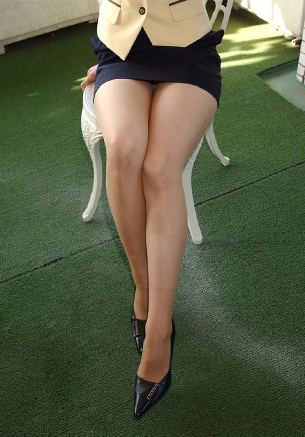 【美脚エロ画像】もう舐めまわしてもいい!って本気で思える美脚女子の脚! 21