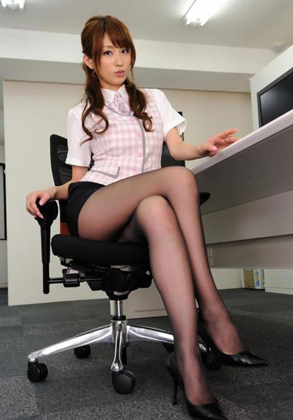 【美脚エロ画像】もう舐めまわしてもいい!って本気で思える美脚女子の脚! 49