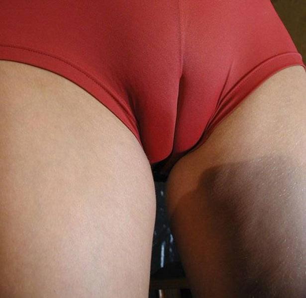 【マンスジエロ画像】マンコの形状がわかりすぎてて草!卑猥なマンスジ! 46