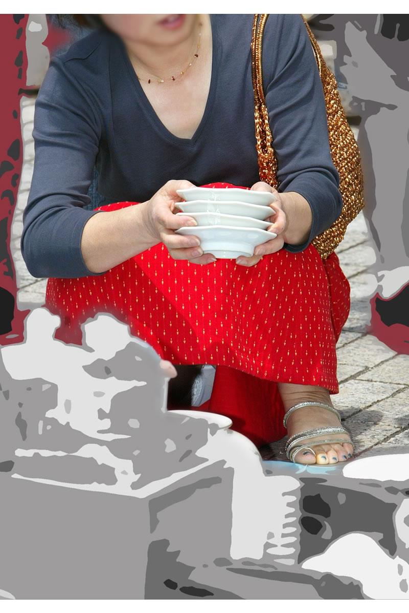 【街中パンチラエロ画像】街中で見つけたパンチラを狙って盗撮したったぜ! 25