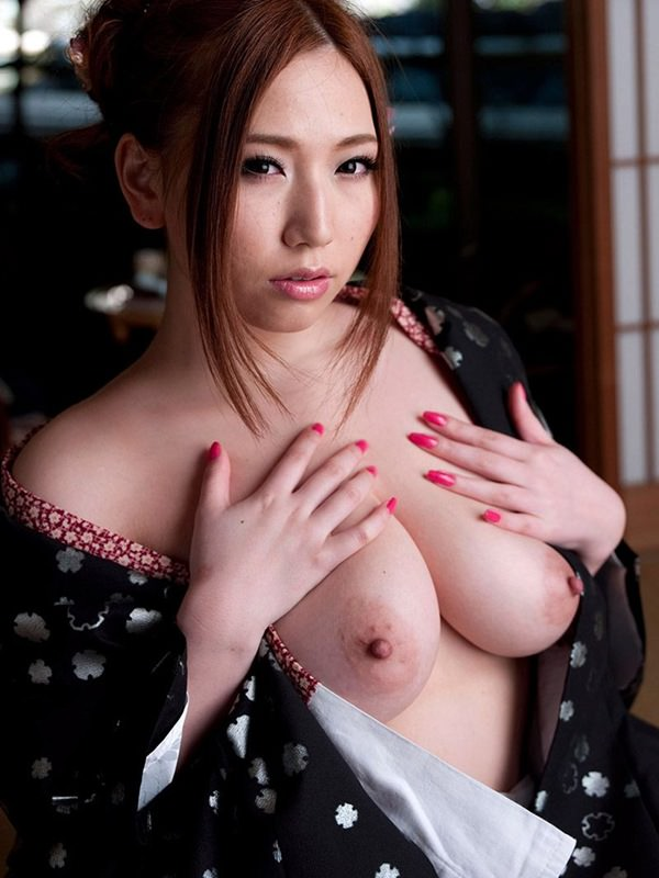 【和服エロ画像】日本古来の民族衣装をまとった女の子のエロ画像にフル勃起不可避! 32