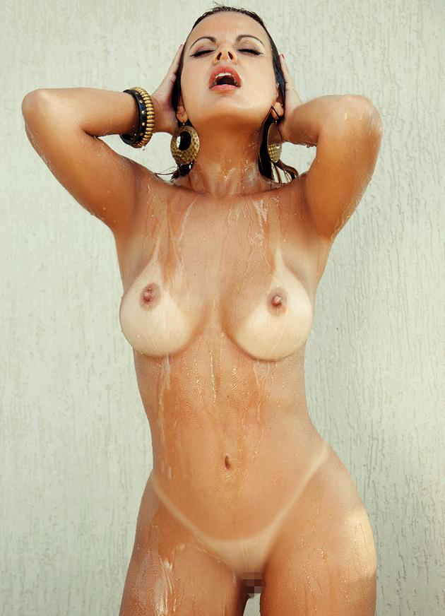 【海外日焼けエロ画像】海外女子の日焼け跡の残る裸体が堪らなくエロいんだがw 36