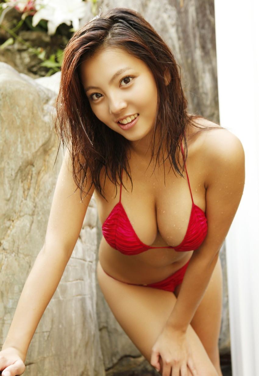 【ビキニエロ画像】露出過多!まるで下着と変わらないビキニ姿の女の子たち! 45