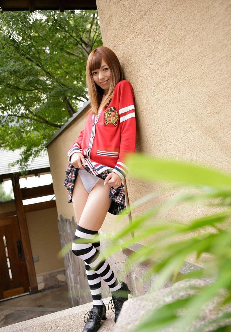 【セルフパンチラエロ画像】女の子にこんな風に誘われたら、ワイ堪らんぞ!www 73