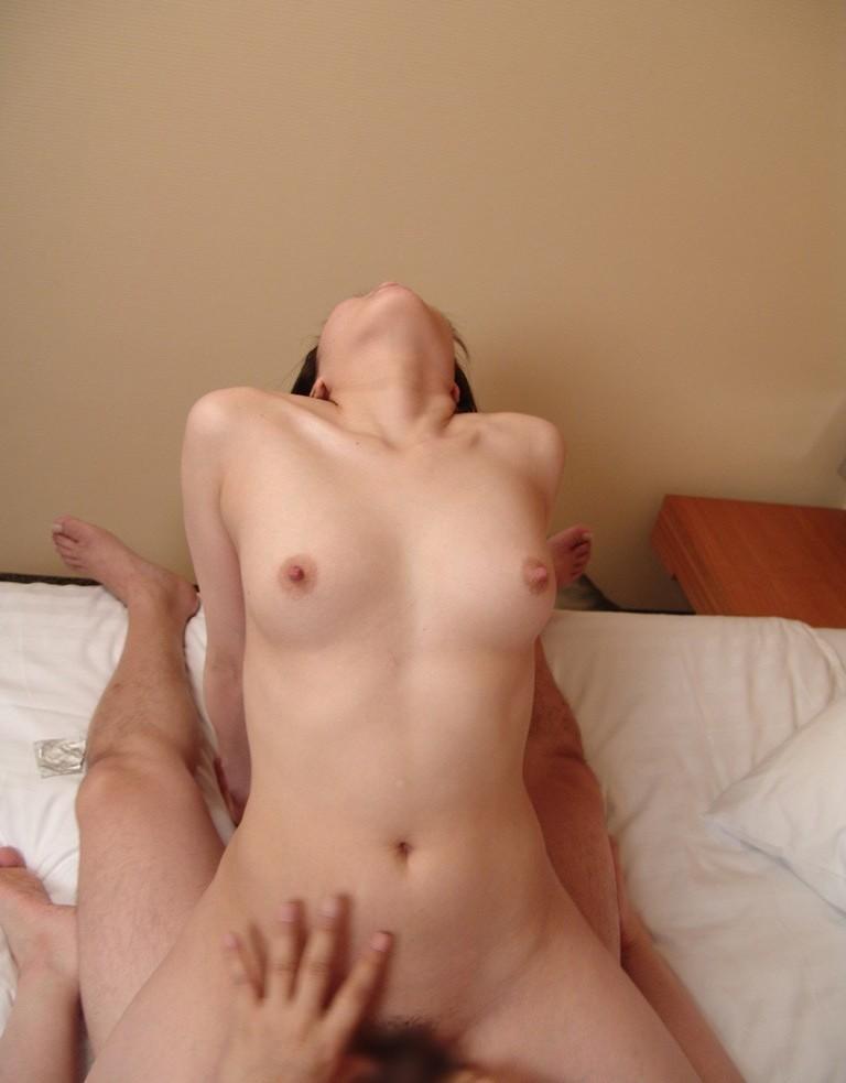 女性主体のセッ○スの体位、女性自ら腰を振る姿がエ□いよな!