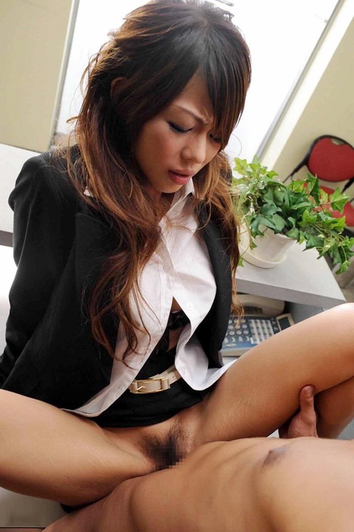 【着衣セックスエロ画像】乱れに乱れた着衣がえろくて草!着衣セックス! 16