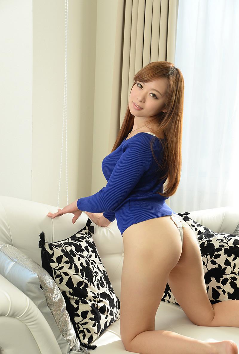【Tバックエロ画像】セクシー系の代表的な女性下着といったらTバックだよな!? 28