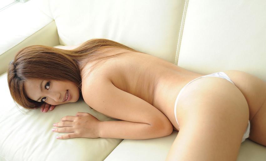 【Tバックエロ画像】セクシー系の代表的な女性下着といったらTバックだよな!? 33