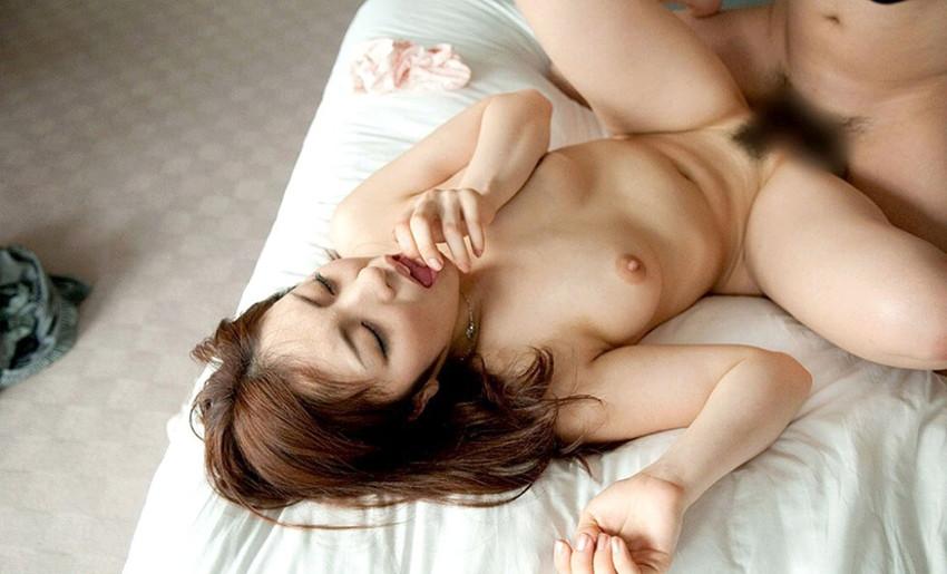【正常位エロ画像】セックスのノーマルな体位とされる正常位って傍から見るとエロいよなw 50
