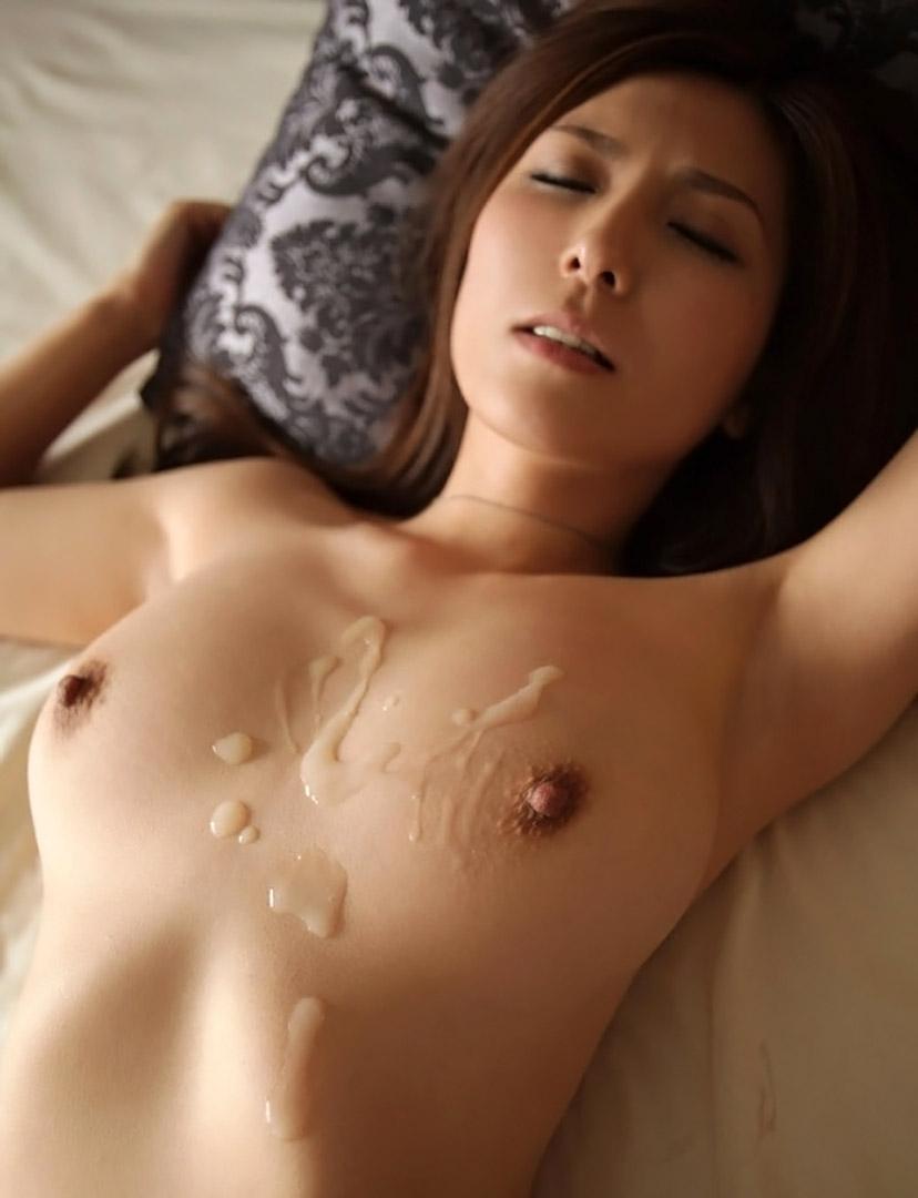 【射精エロ画像】体に精液ぶっかけられたセックス事後の女の子たちのエロ画像 25