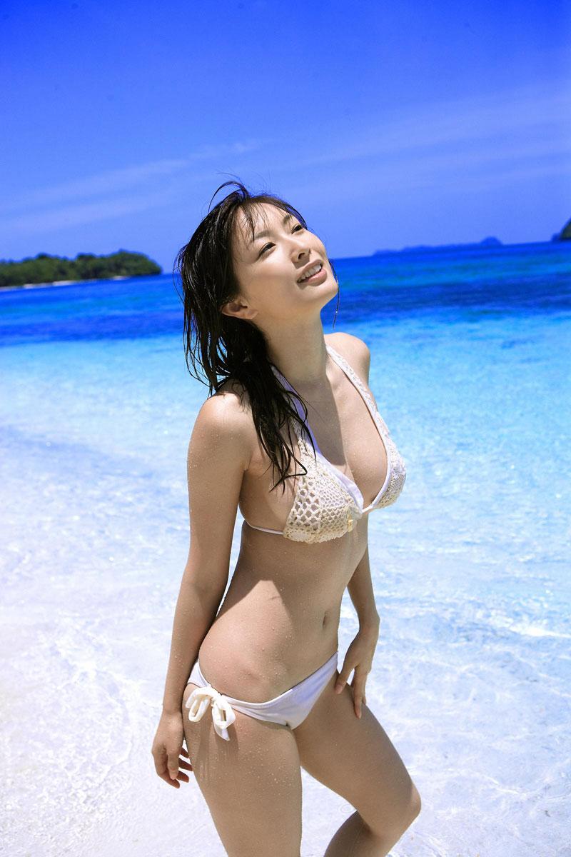 【ビキニエロ画像】夏はとっくに過ぎたけどビキニ女子を愛でようずww 34