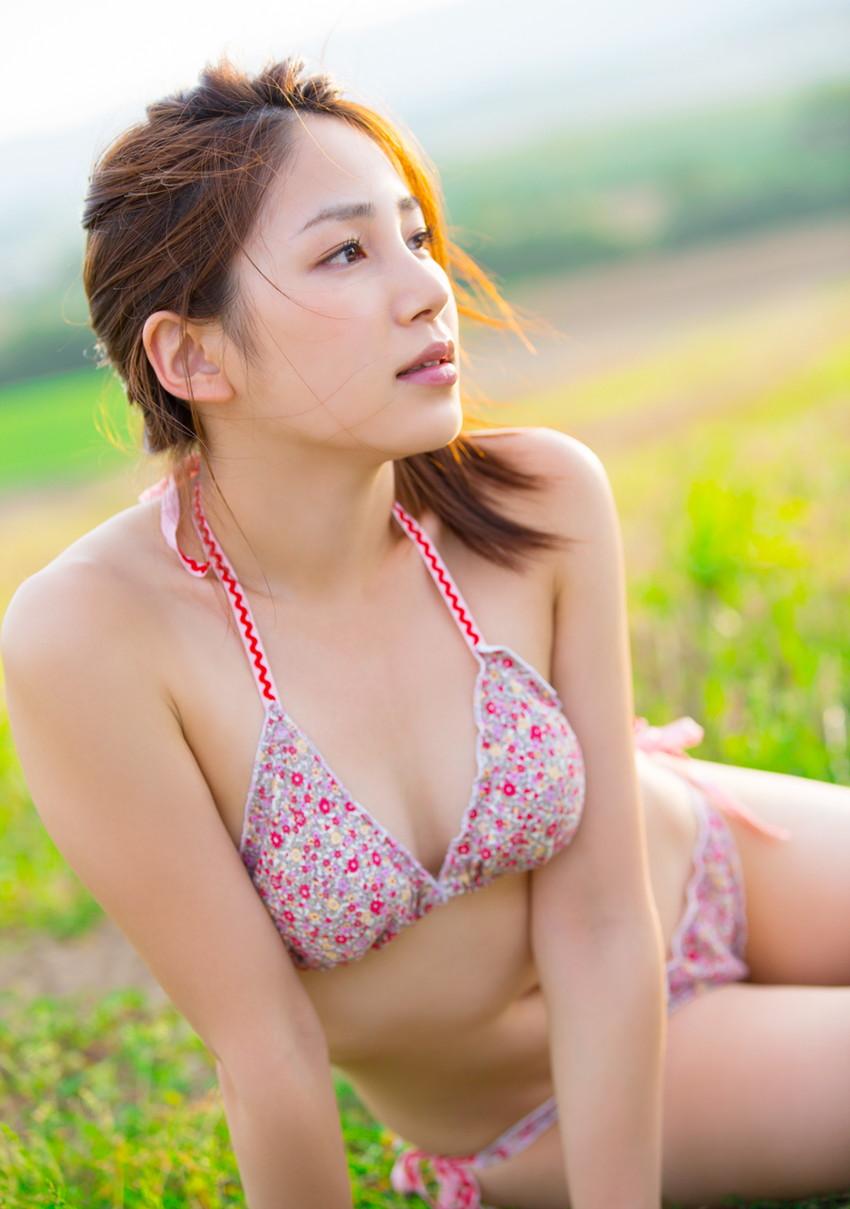 【ビキニエロ画像】夏はとっくに過ぎたけどビキニ女子を愛でようずww 35