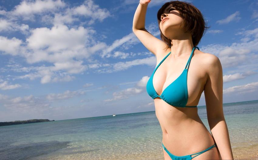 【ビキニエロ画像】夏はとっくに過ぎたけどビキニ女子を愛でようずww 62