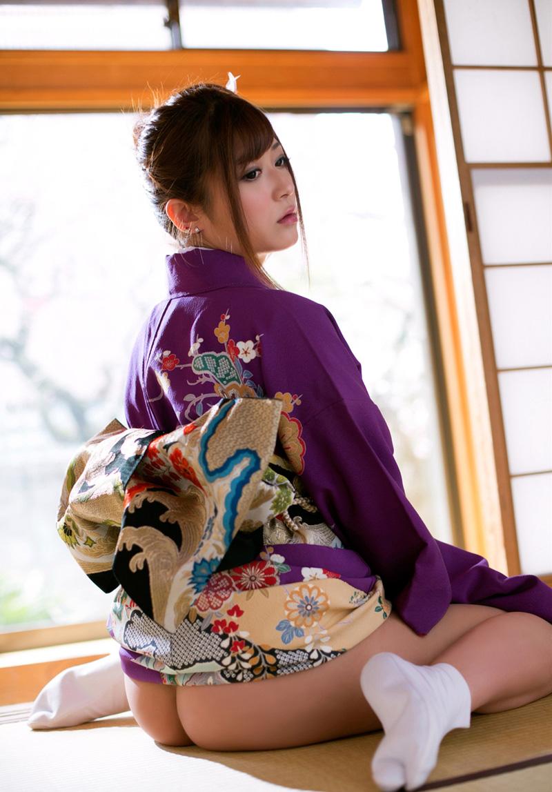 【和服エロ画像】和服姿のエロスにフル勃起不可避!日本人でよかったぜwwww 45
