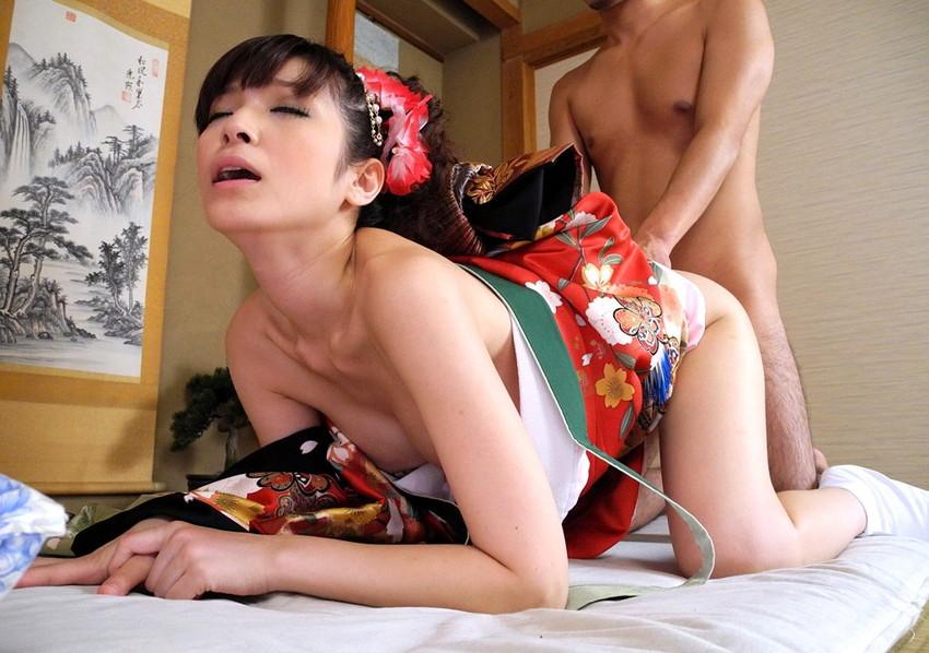 【和服エロ画像】和服姿のエロスにフル勃起不可避!日本人でよかったぜwwww 61