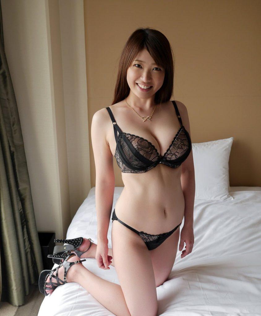 【下着姿エロ画像】女の子たちのセクシーな下着姿のエロ画像集めたった! 40