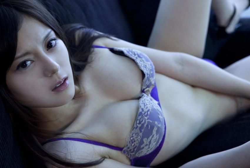 【下着姿エロ画像】女の子たちのセクシーな下着姿のエロ画像集めたった! 53