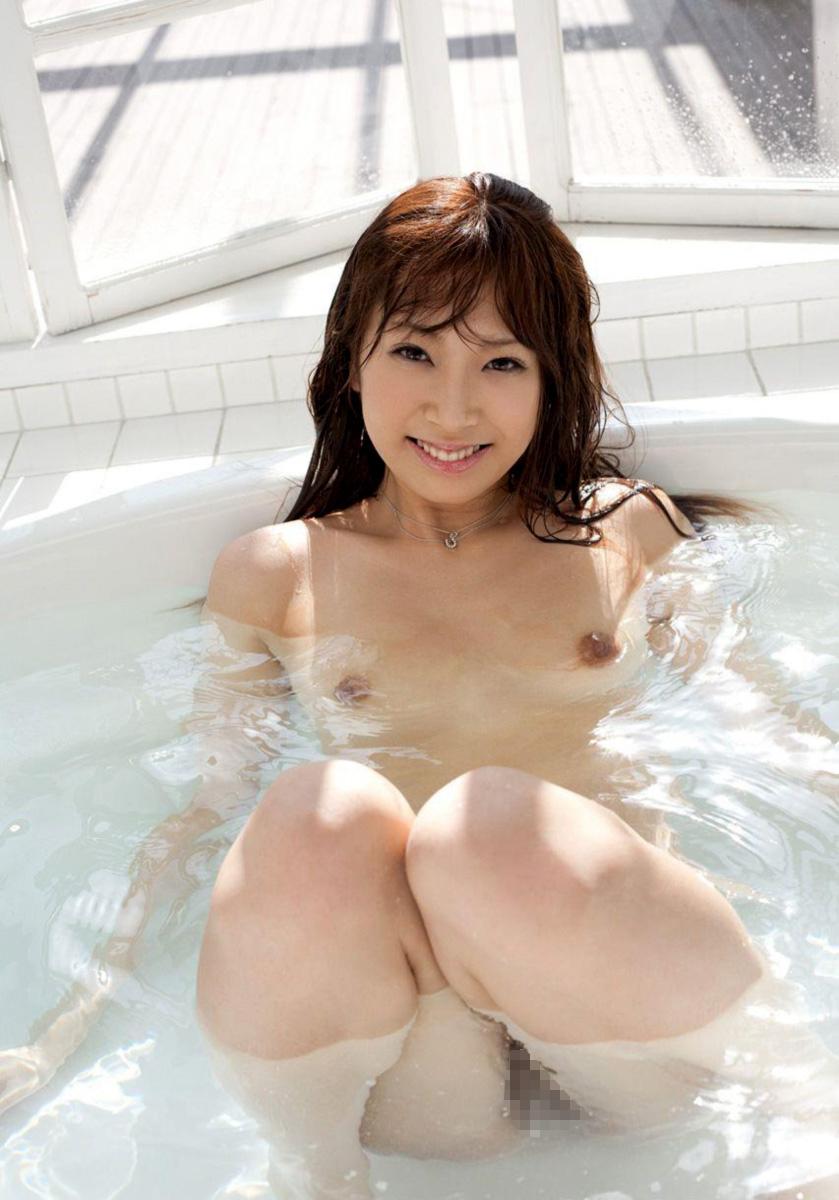 【入浴エロ画像】入浴中ならどんなに恥ずかしがりやな女の子だつて全裸だろ! 18