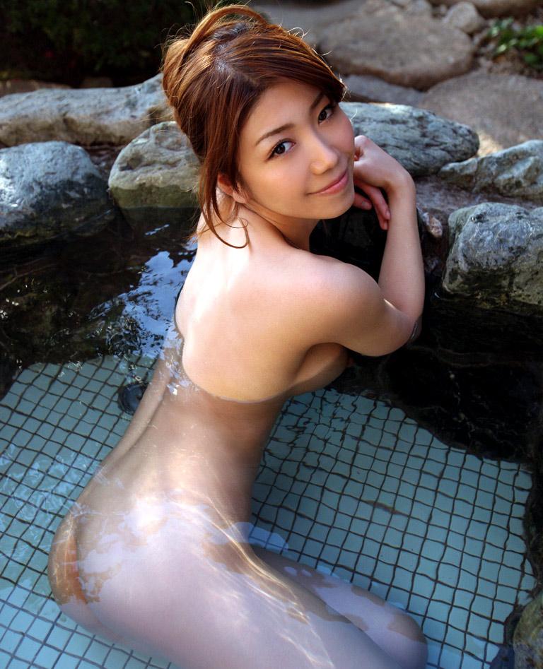 【入浴エロ画像】入浴中ならどんなに恥ずかしがりやな女の子だつて全裸だろ! 45
