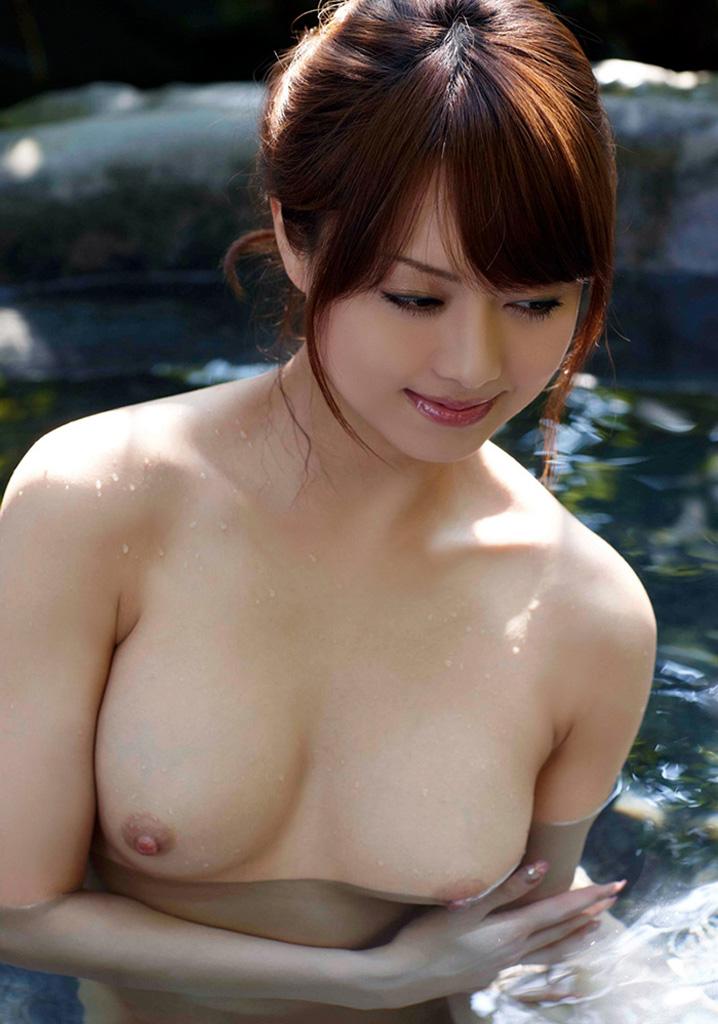 【入浴エロ画像】入浴中ならどんなに恥ずかしがりやな女の子だつて全裸だろ! 61