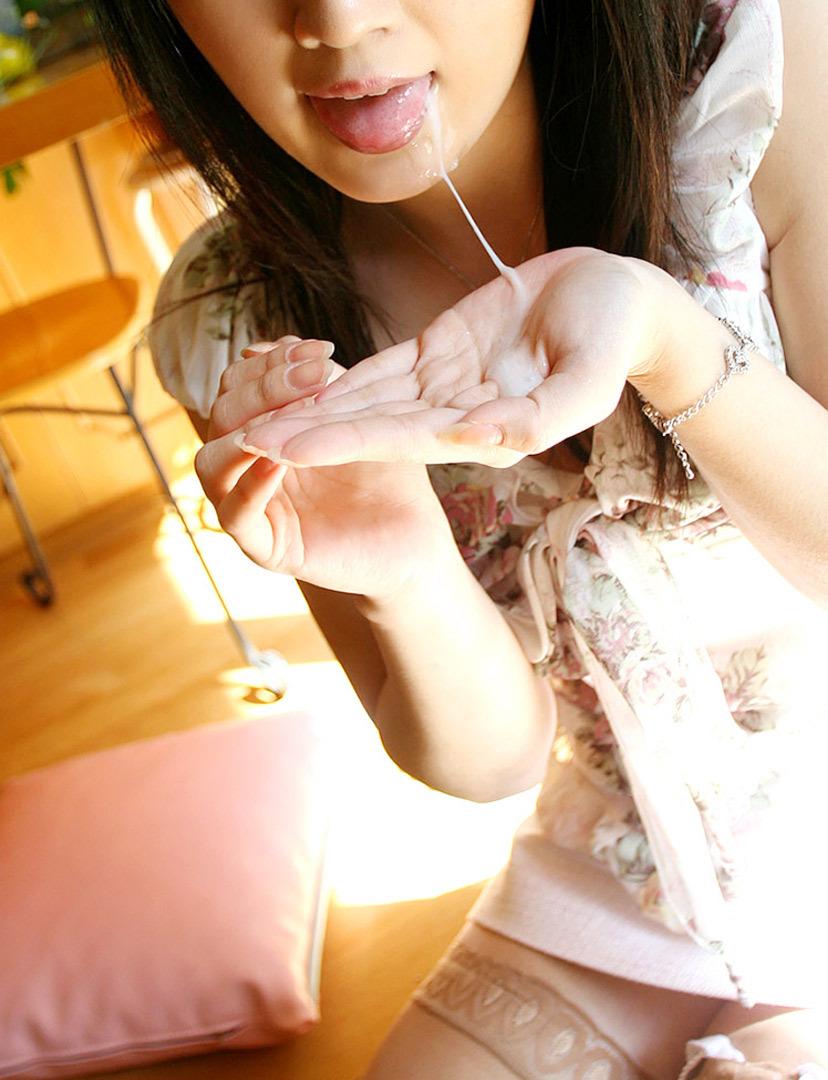 【口内発射エロ画像】女の子の口内にザーメンぶちまけたらめっちゃエロい絵になった! 48