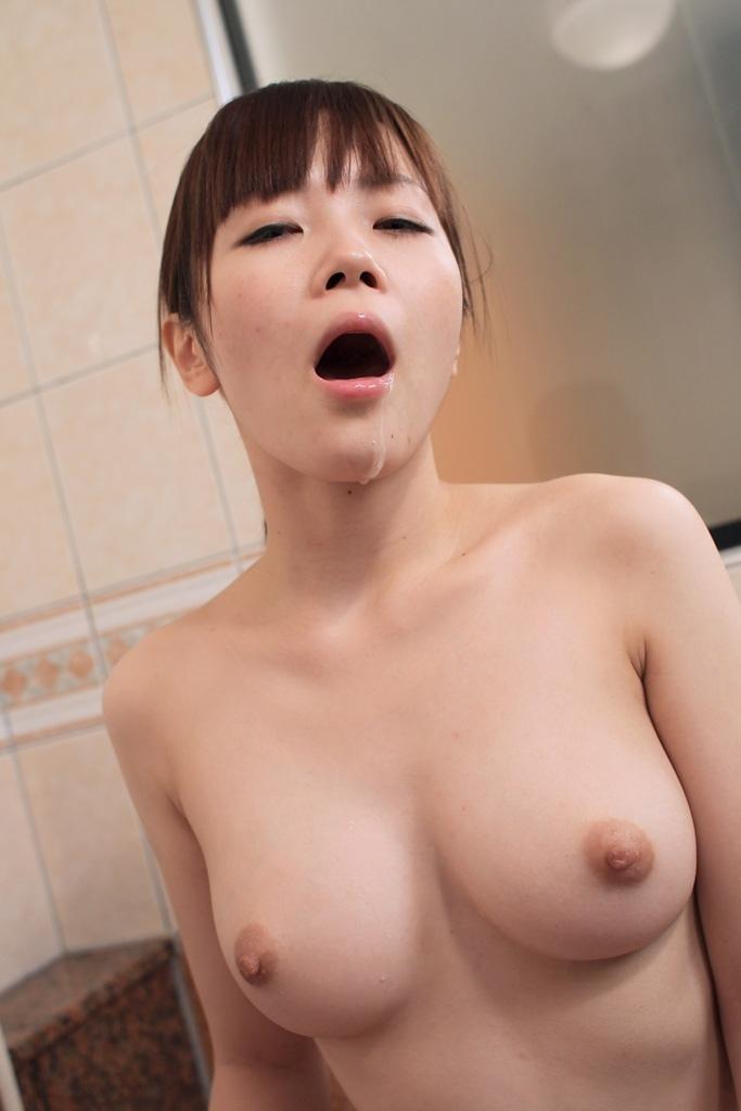 【口内発射エロ画像】女の子の口内にザーメンぶちまけたらめっちゃエロい絵になった! 60