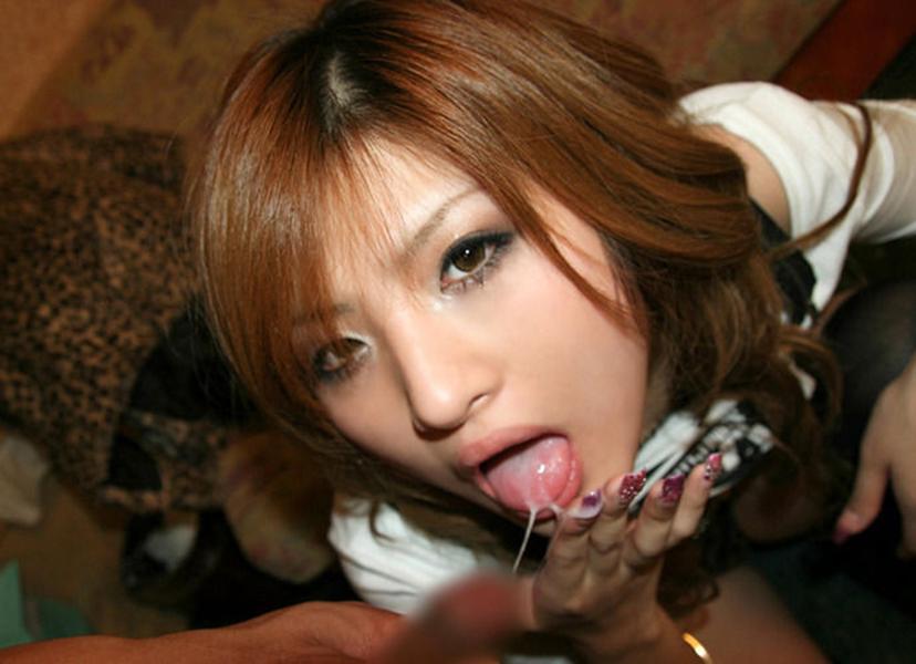 【口内発射エロ画像】女の子の口内にザーメンぶちまけたらめっちゃエロい絵になった! 67