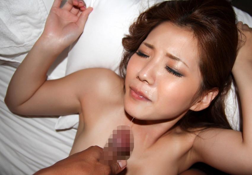 【顔射エロ画像】顔射されて顔面ザーメンまみれになった女の子の表情って好き?w 83