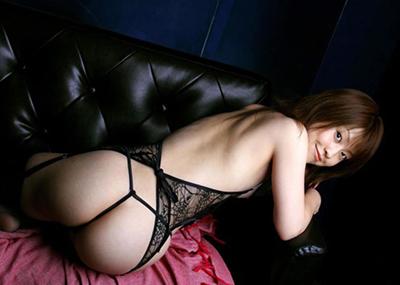 【Gストリングエロ画像】Tバックの上を行くセックスアピールの強いパンティー!