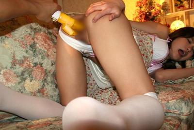 【バイブ責めエロ画像】唸るバイブが女の子のオマンコの内部をかき回す!! 27