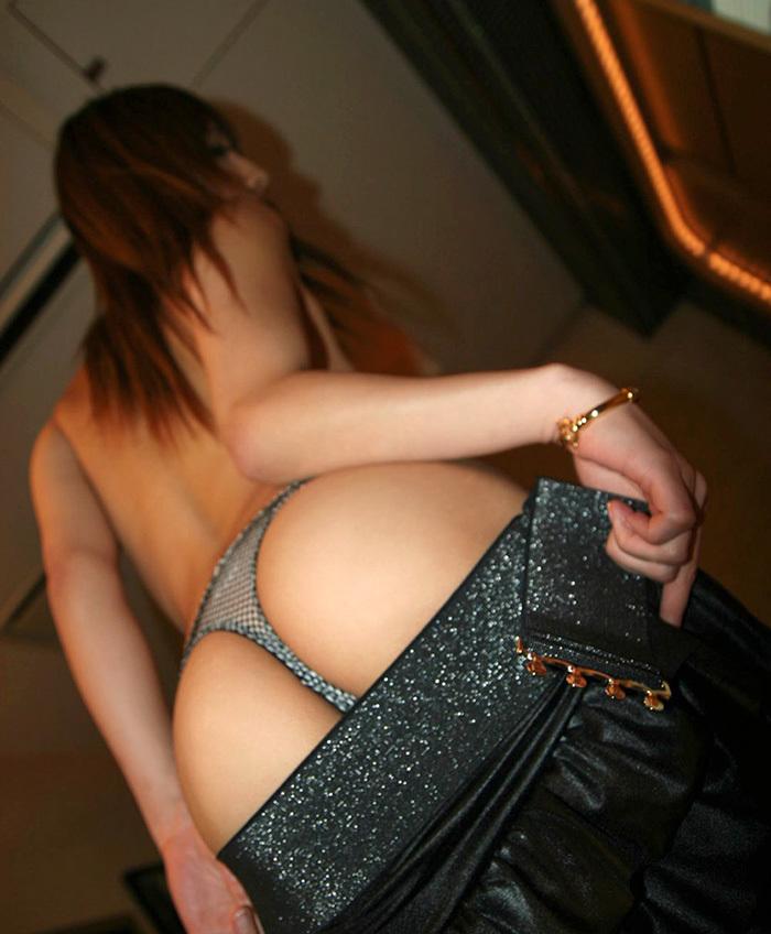 【Tバックエロ画像】男性から支持の高いセクシー系の代表下着といったらTバック! 18